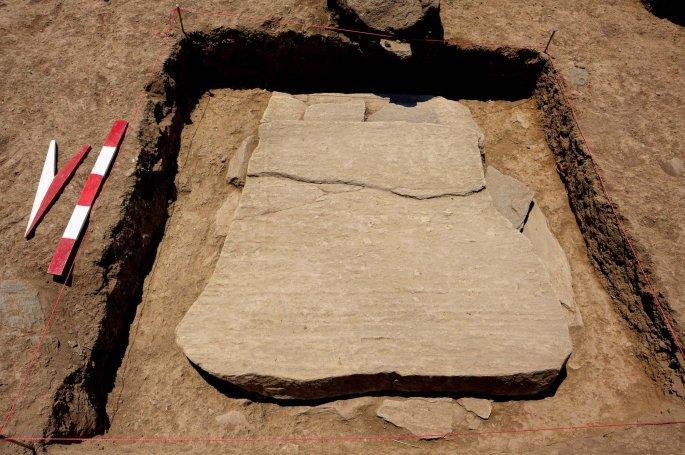 paidiki tafi1 - Aνέλπιστο εύρημα στον μυκηναϊκό οικισμό που ανασκάπτεται στο Μακρυχώρι Λάρισας