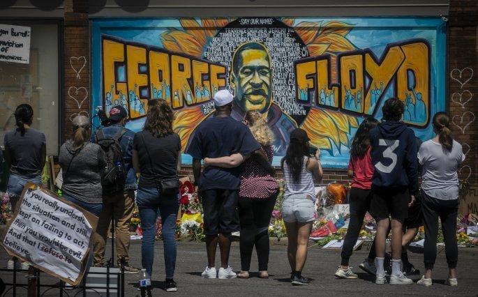 Τοιχογραφία για τον George Floyd