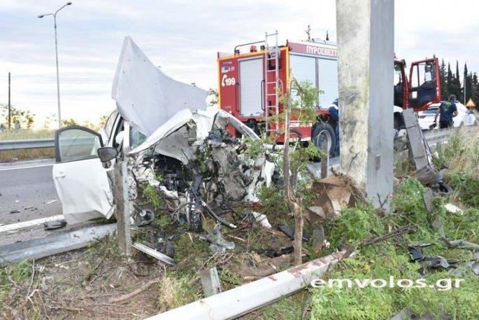 Σοκαρίστικές φωτογραφίες στην Ημαθία απο τροχαίο δυστύχημα
