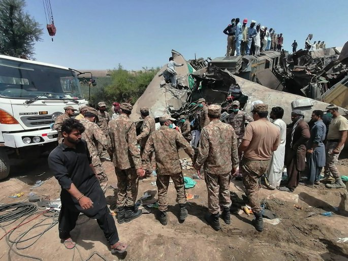 Πακιστάν: Σύγκρουση τρένων με τουλάχιστον 30 νεκρούς