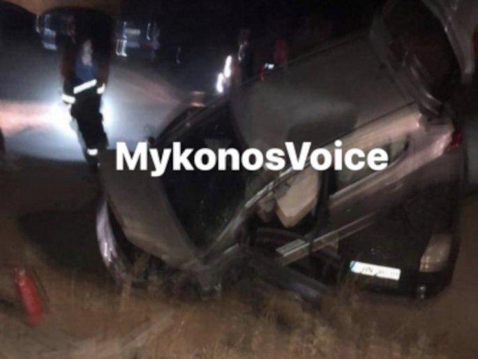Χάος μετά από τροχαίο στη Μύκονο: ΙΧ «προσγειώθηκε» σε παρκαρισμένα οχήματα
