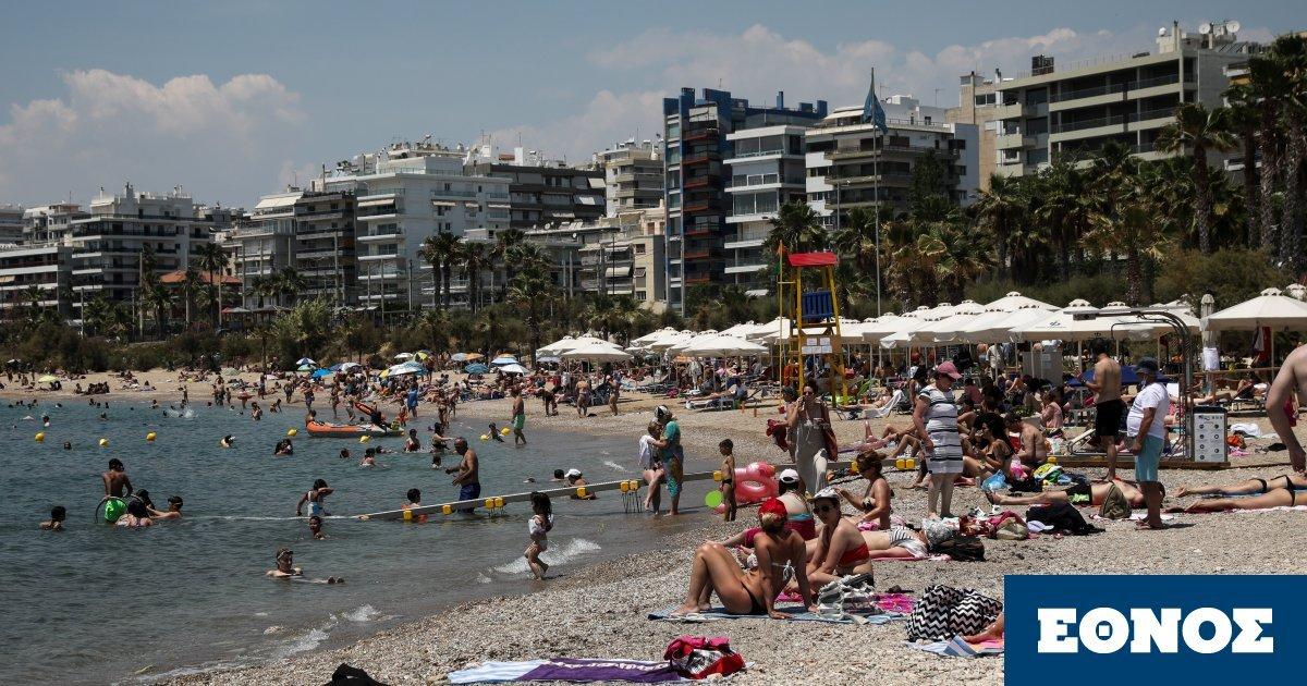 Μαζικά στις παραλίες οι Αθηναίοι με σύμμαχο τη ζέστη